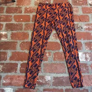 Lularoe TC blue & orange giraffe leggings 🦒